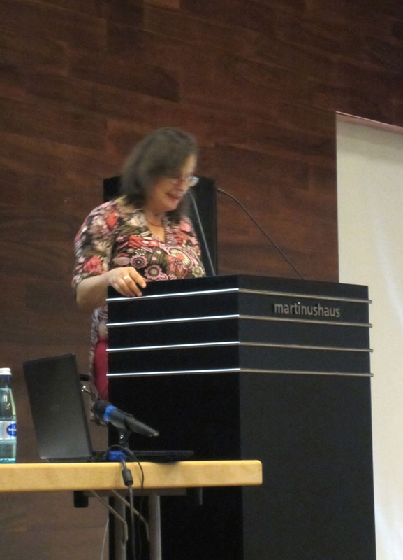 Rosa Logar, Referentin