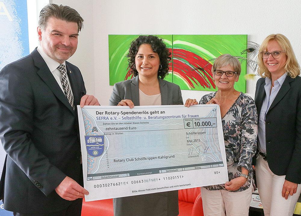 Spendenübergabe von Rotary in Höhe von 10.000 Euro